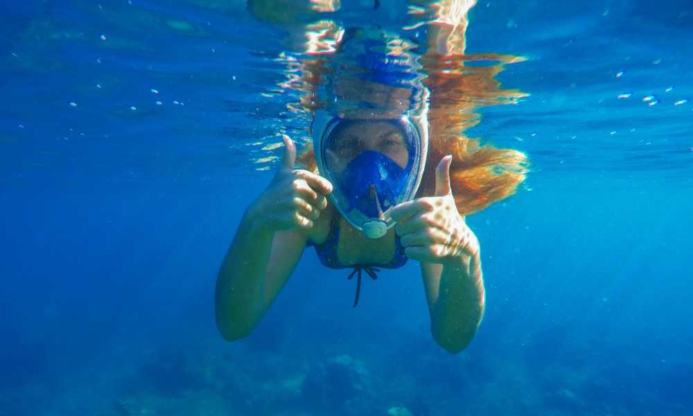 How Does a Snorkel Mask Work?